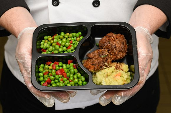 Photo of balsamic beef sliders meal.