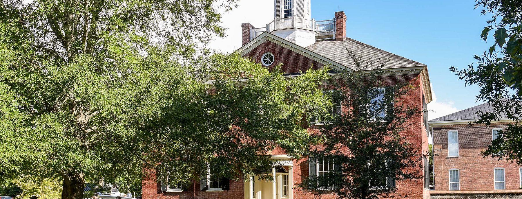 The New Bern Academy