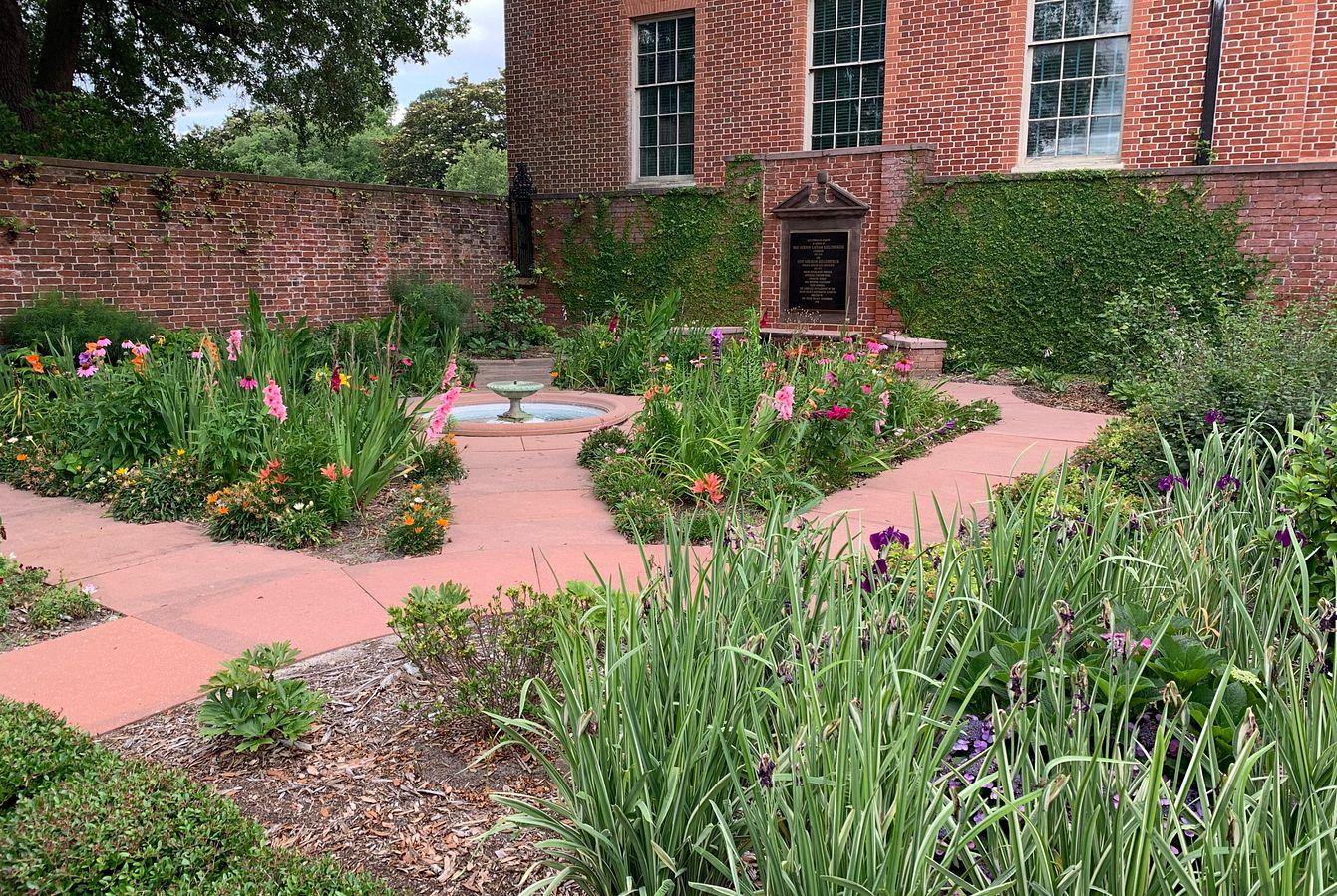 Kellenberger Garden in Summer
